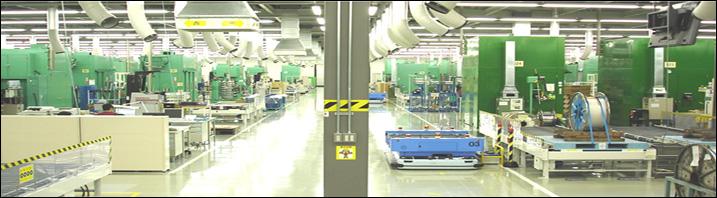一貫生産体制.1「プレス加工」|ワンフロアのプレスエリアの画像
